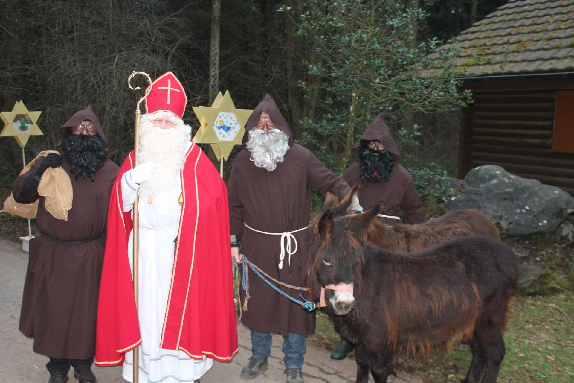 Chlauseneinzug Sonntag 1. Dezember 17.00 Uhr beim Waldhaus
