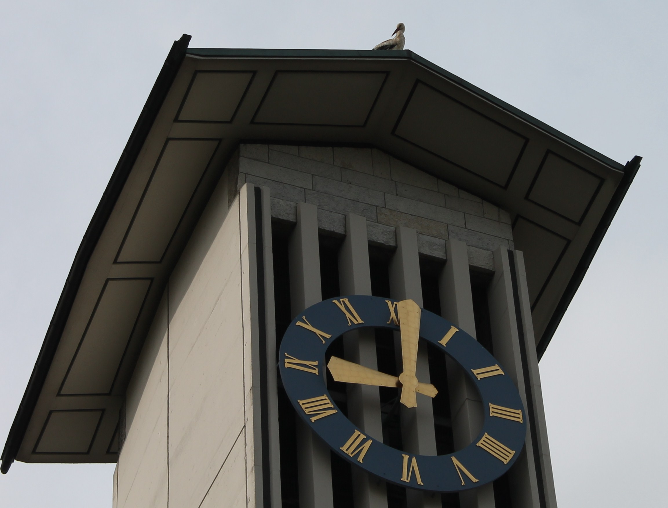 Kirchenuhr und Glocken